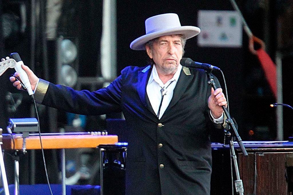 A Bob Dylan le 'vale un comino' Nobel de Literatura