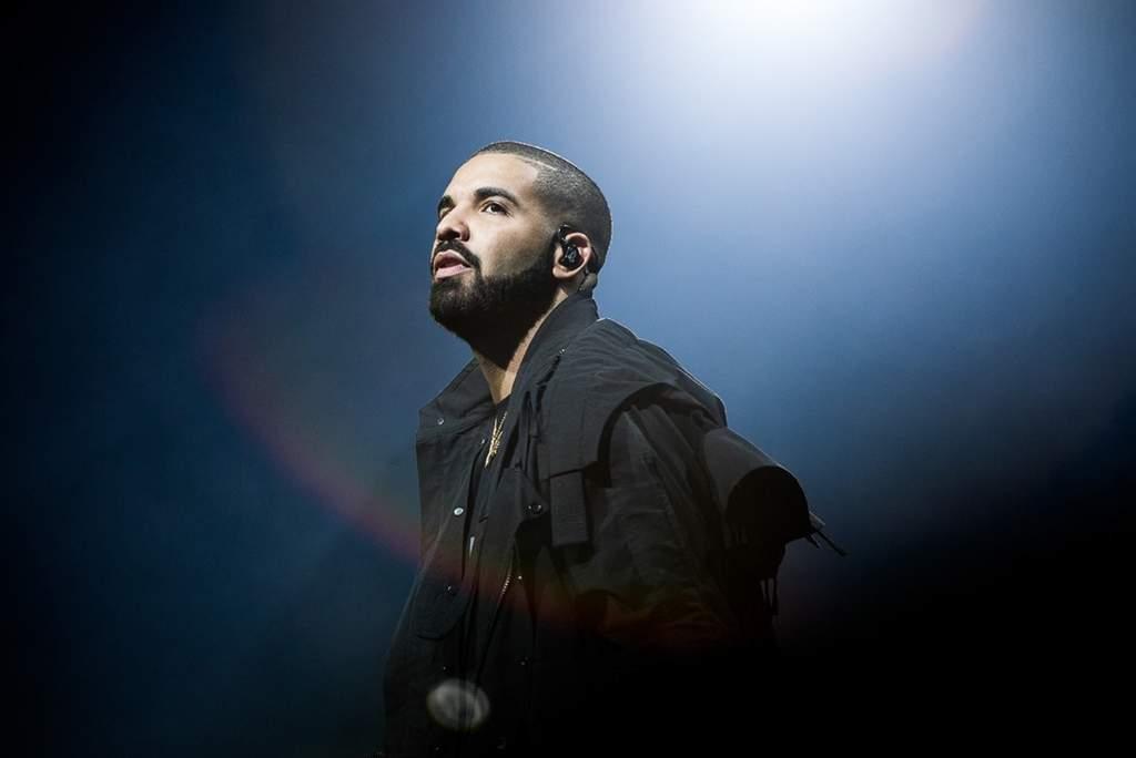 Drake lidera nominaciones en los AMA