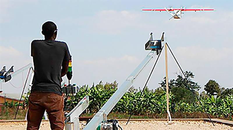Usan drones para trasladar sangre a hospitales en África