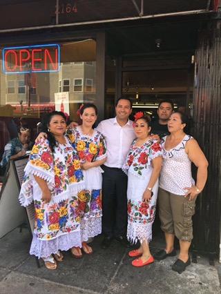 Reconocen a restauranteros yucatecos en California