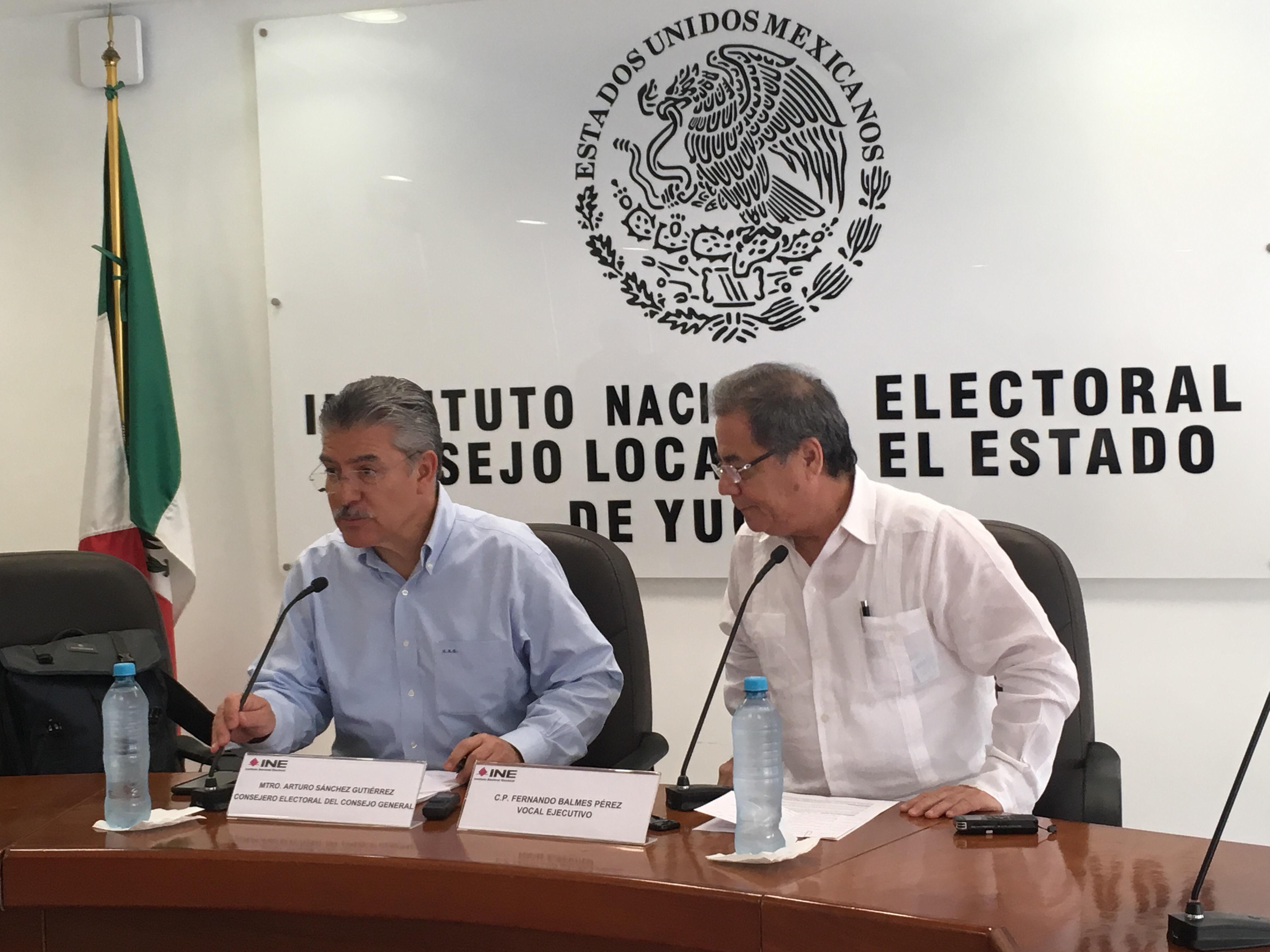 Proceso electoral mexicano en doble pista