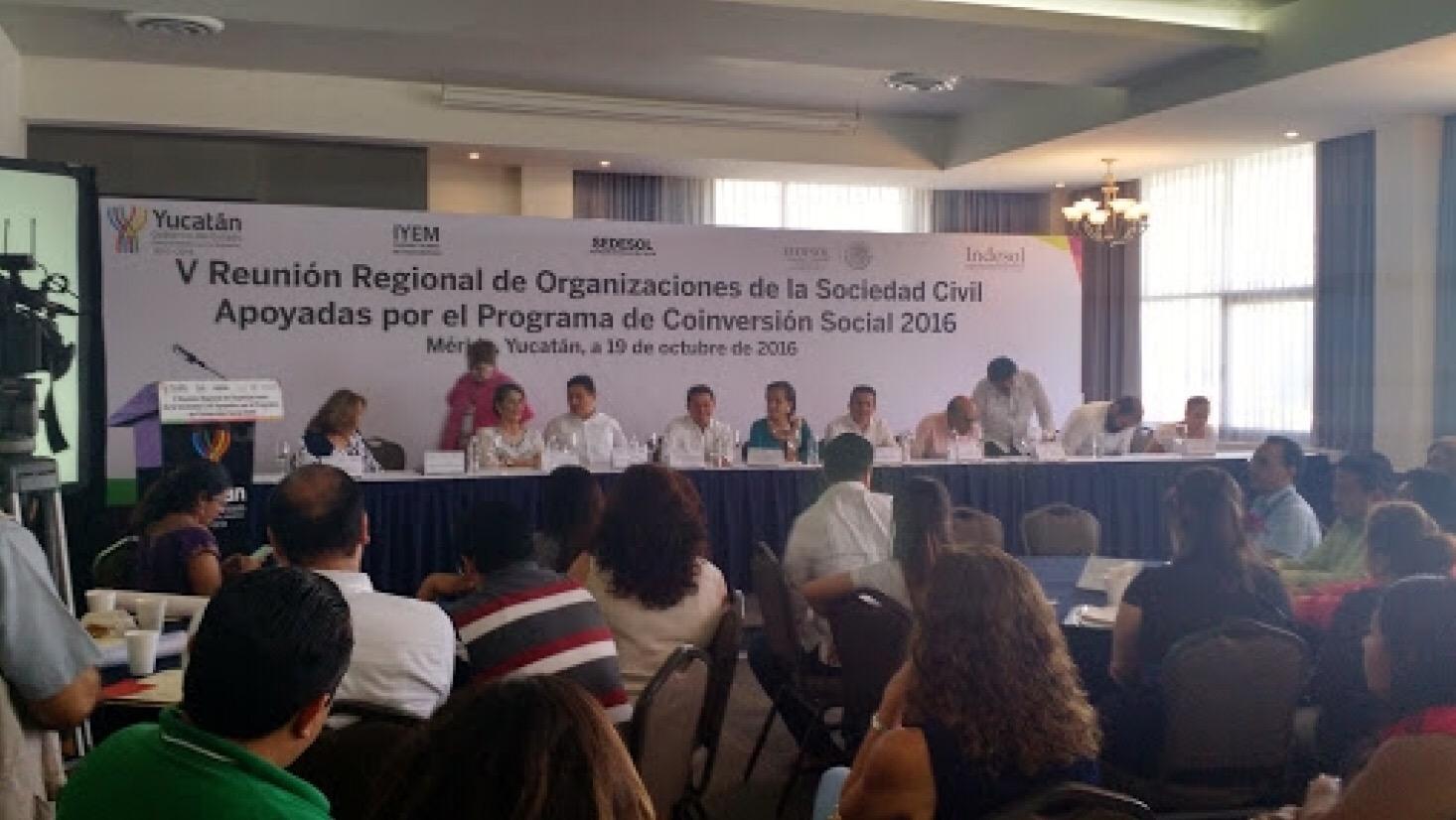 Persiste resistencia a organizaciones sociales
