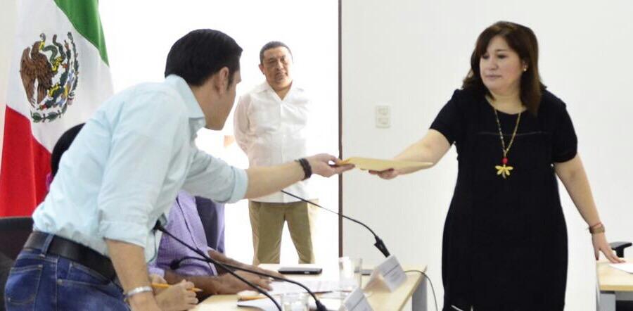 Extienden beneficios de Iniciativa Rosa a más trabajadoras