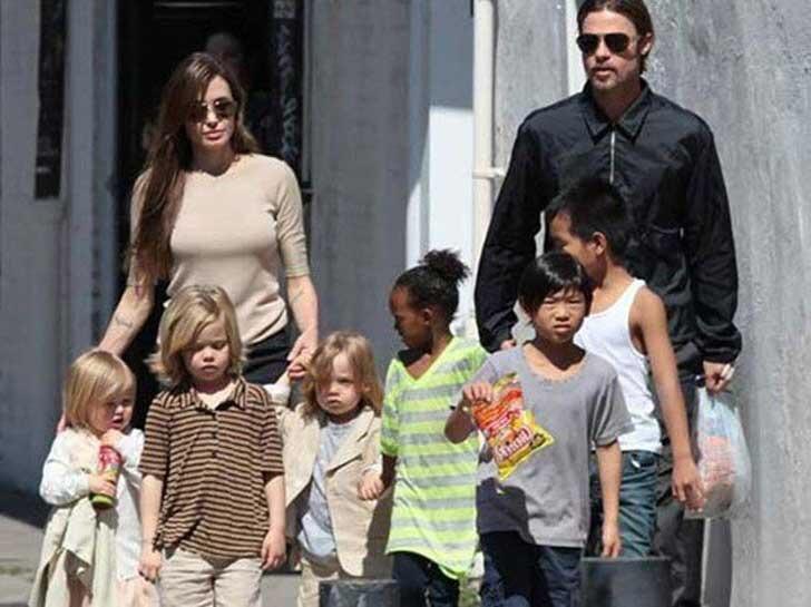 Jolie se arrepiente del divorcio de Pitt, afirman