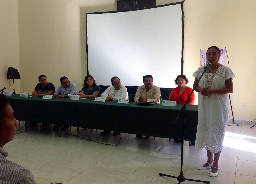 Mantienen viva la literatura maya