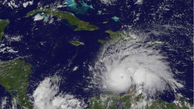 Más de 400 muertos en Haití tras paso del huracán 'Matthew'