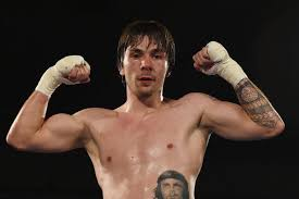 Muere boxeador Mike Towell tras combate