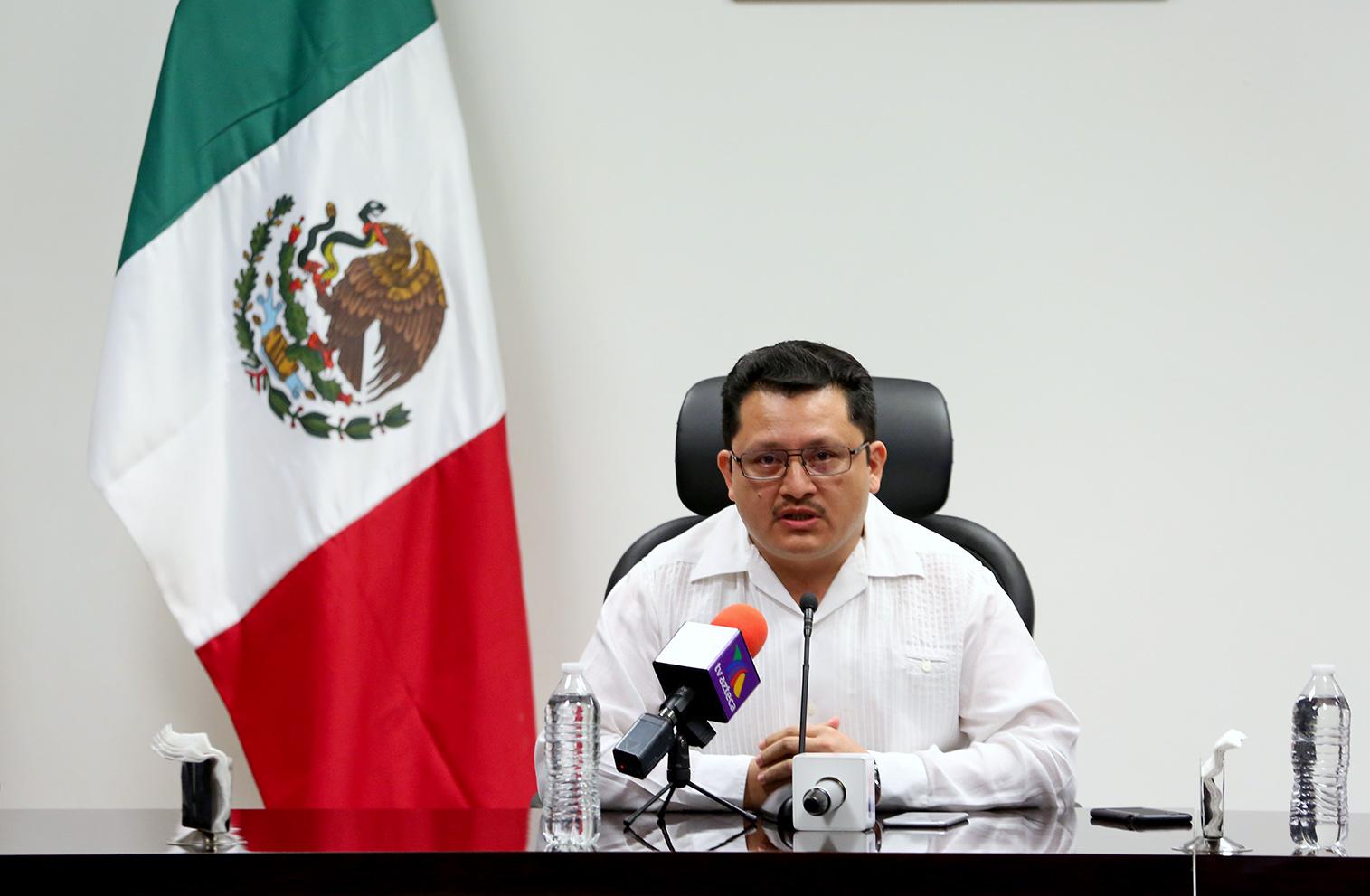 """YUCALEAKS: El """"zar antidelitos"""" del país juega en Yucatán"""