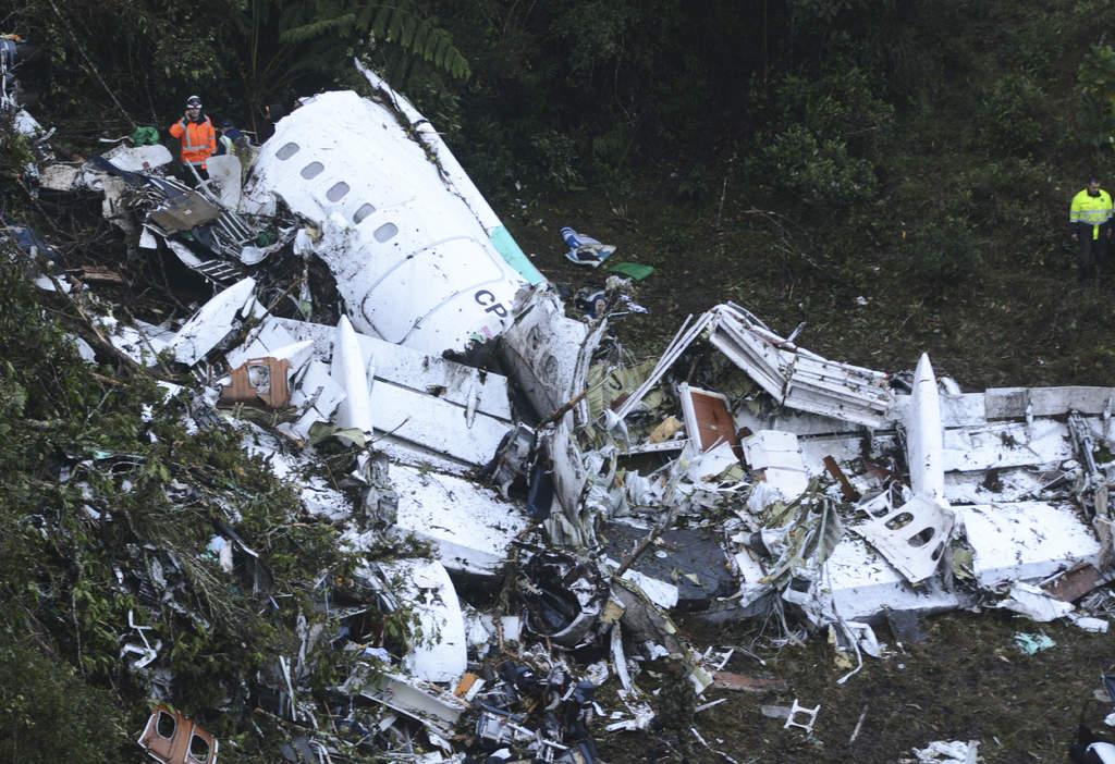 Van 76 muertos por 'avionazo' de club brasileño