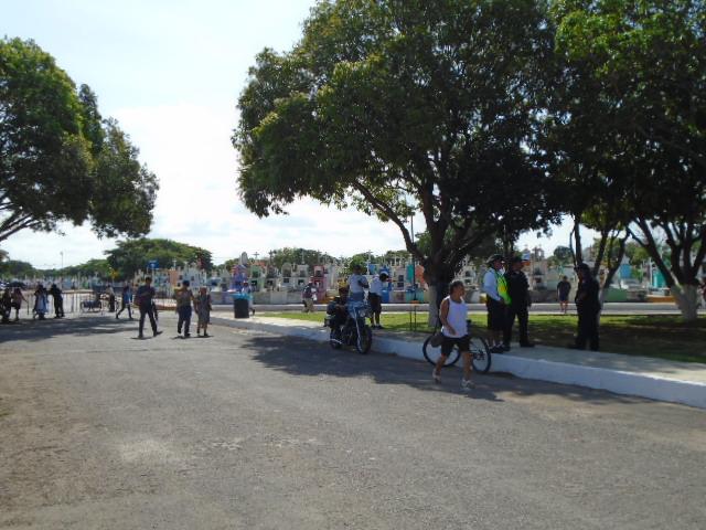 Más de 70 mil visitas en cementerios de Mérida y comisarías