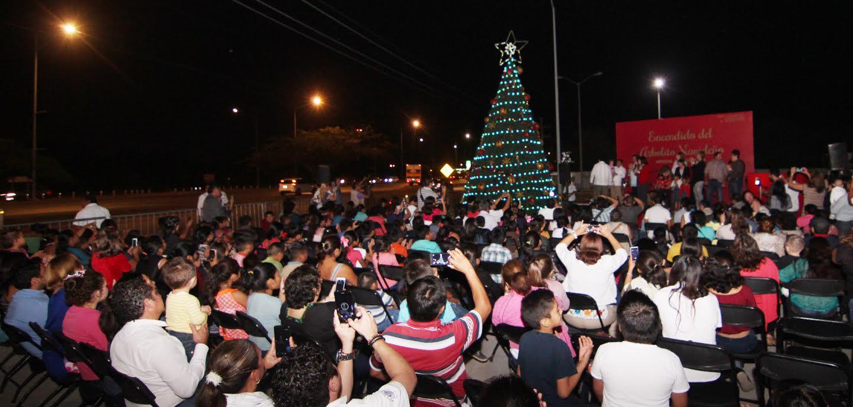 Enciende Congreso Yucatán su árbol de Navidad