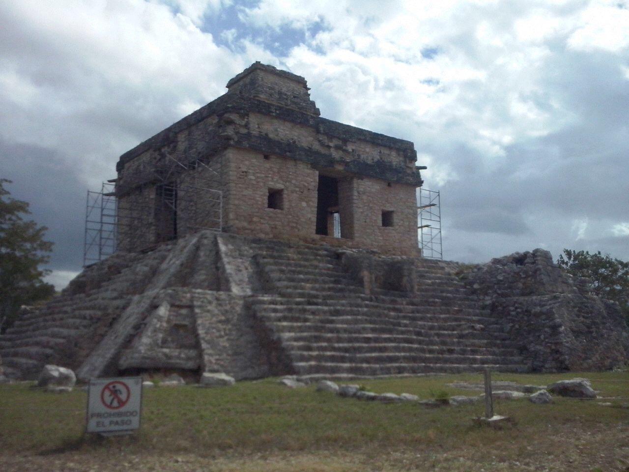 Reportan hallazgo arqueológico en Dzibilchaltún