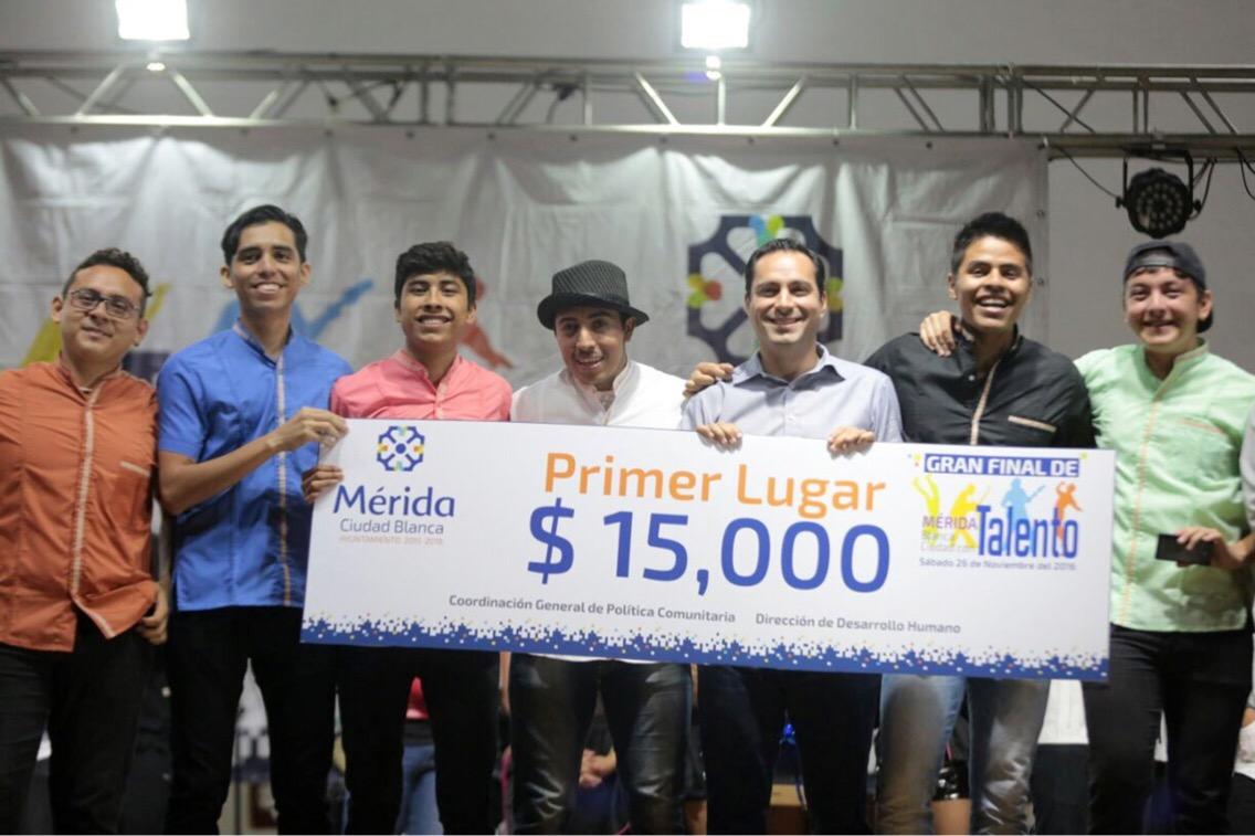 """Entregan premios a ganadores de """"Mérida Blanca, ciudad con talento"""""""