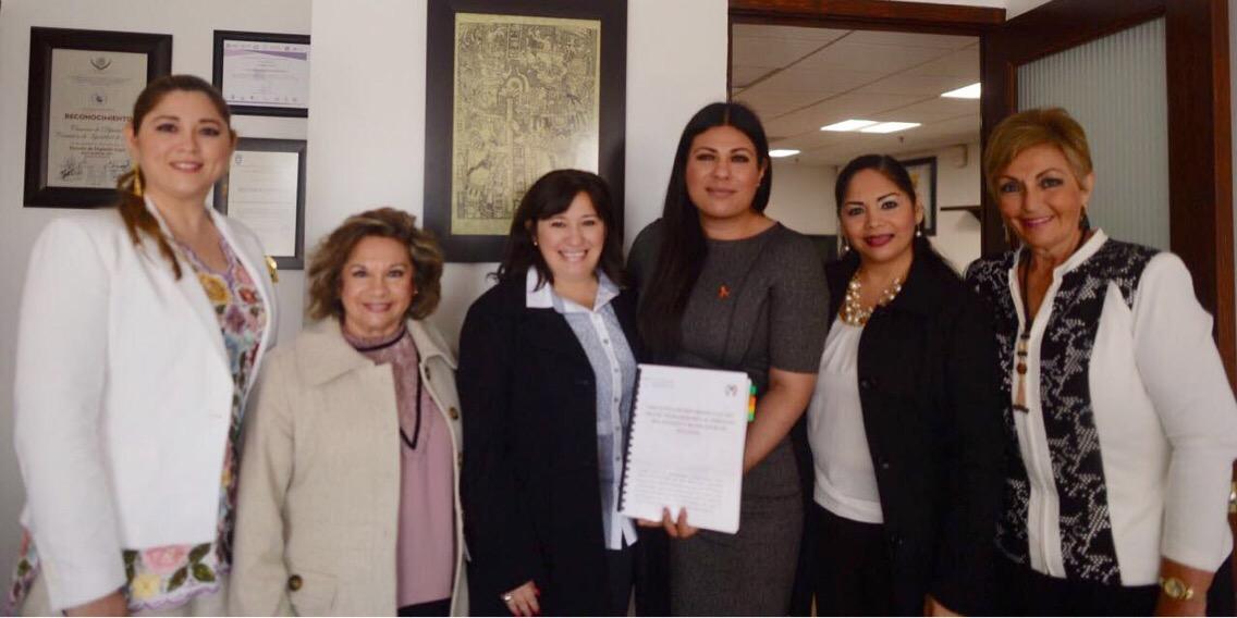 Llevan iniciativa a favor de mujeres yucatecas a Congreso de la Unión