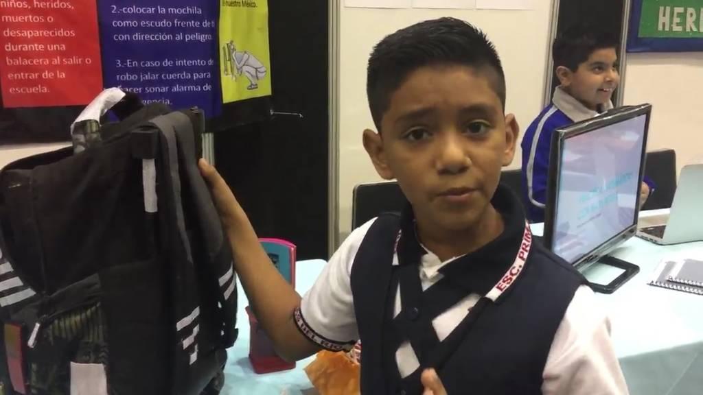 Niño de 11 años diseña mochila antibalas