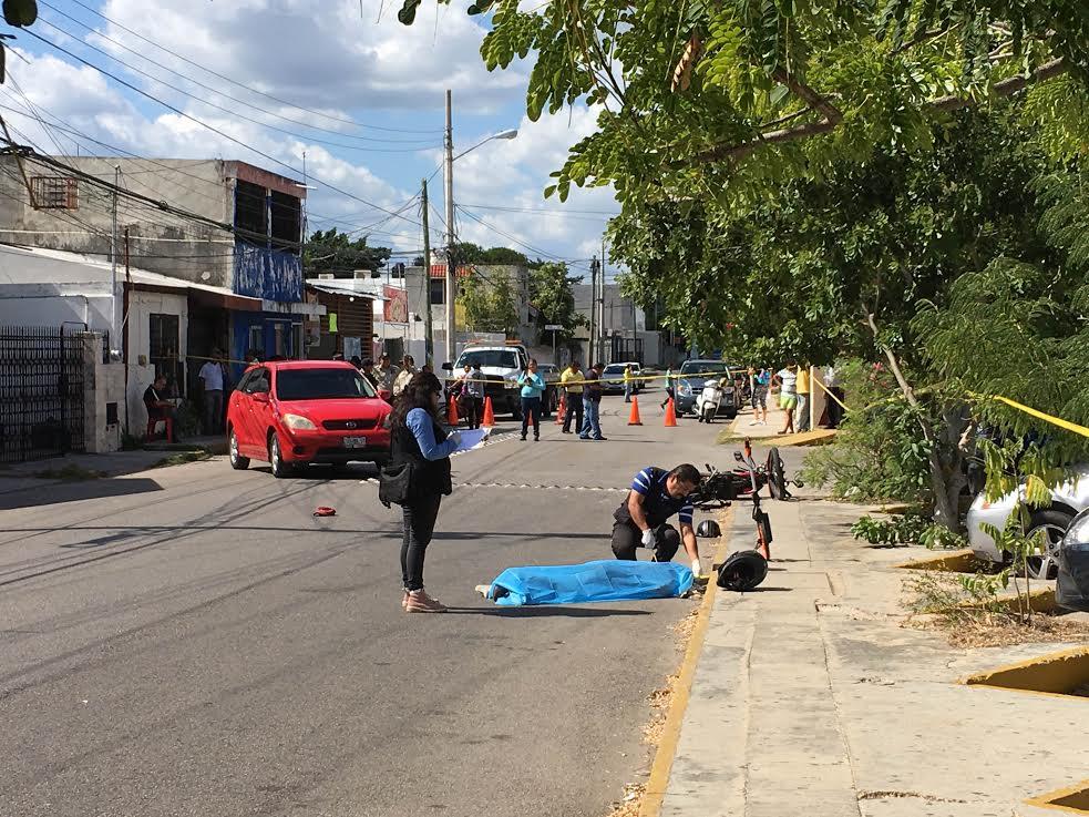 Pasajero de moto pierde la vida en colonia Chuburná