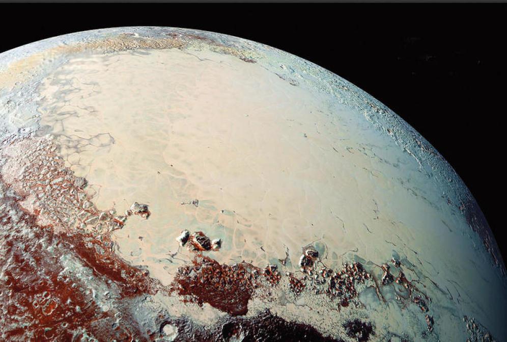 Estudio sugiere que hay un océano habitable en Plutón