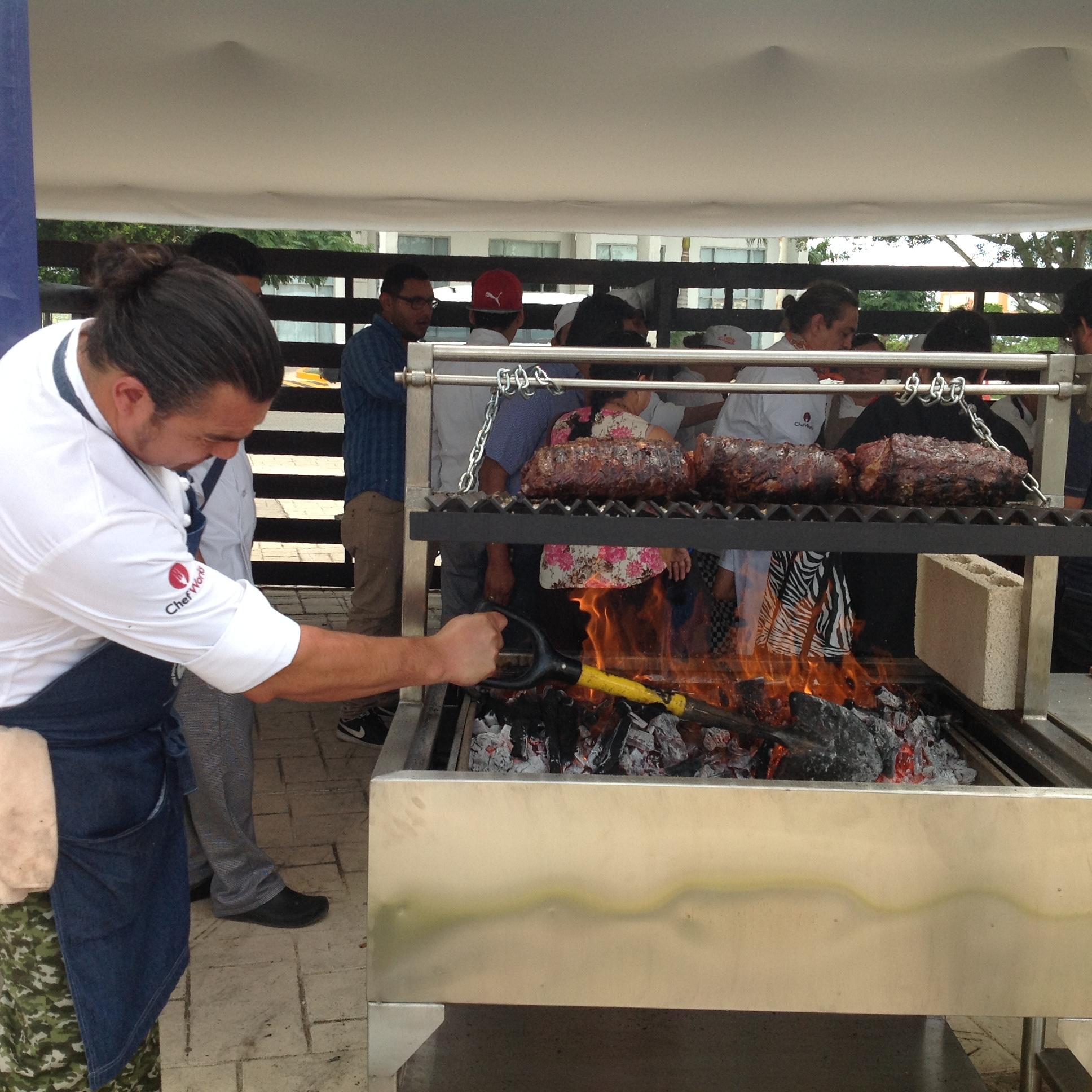 Promueven sudamericanos consumo de bife de res en Yucatán