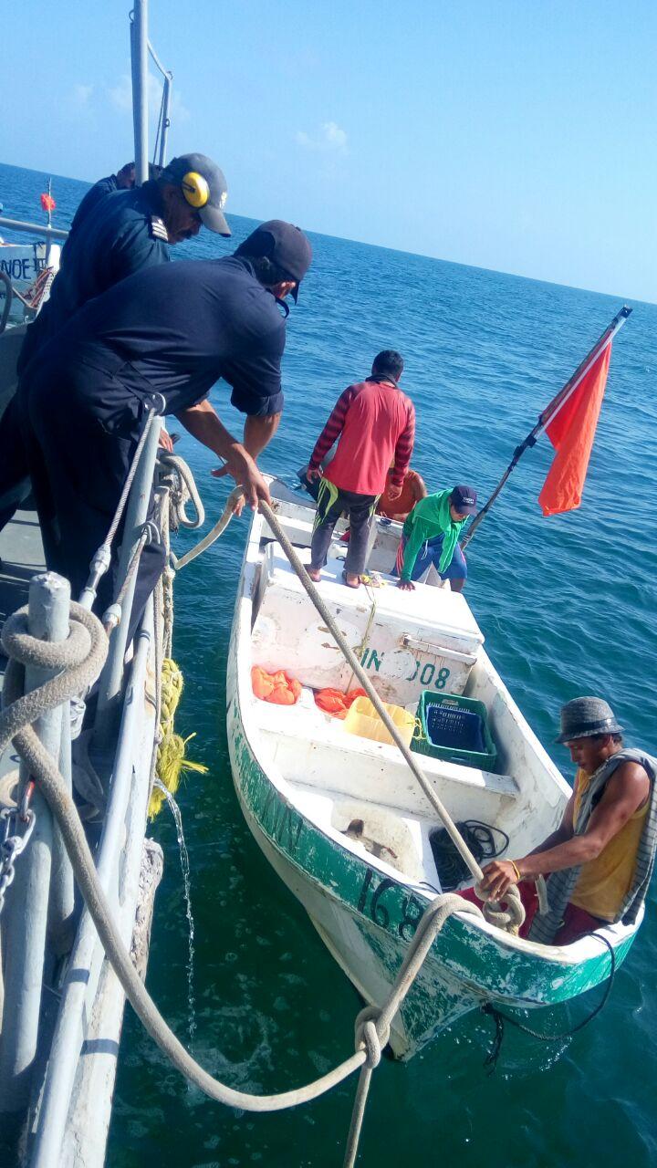 Pescadores pasaron Navidad a la deriva en alta mar