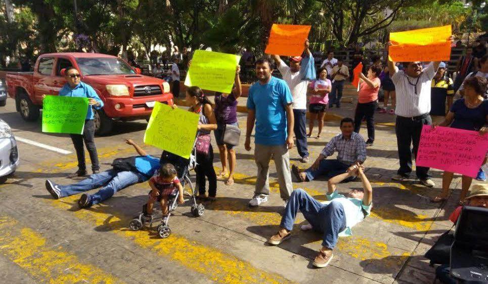 Atiende Ayuntamiento Méridaa vendedores de productos de pólvora