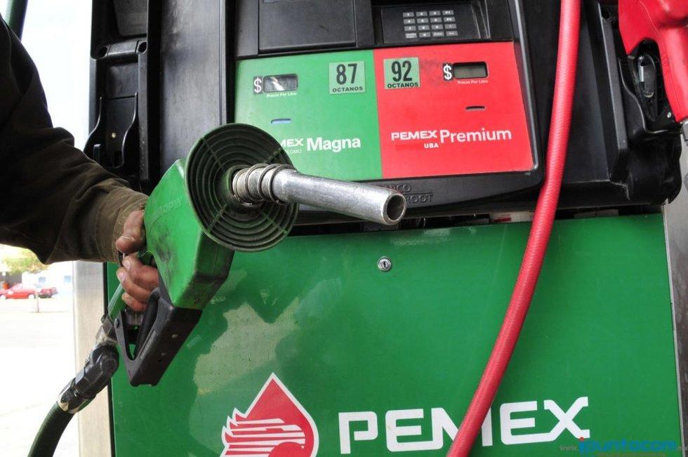 Advierten gasolinazo de 20.6% para enero