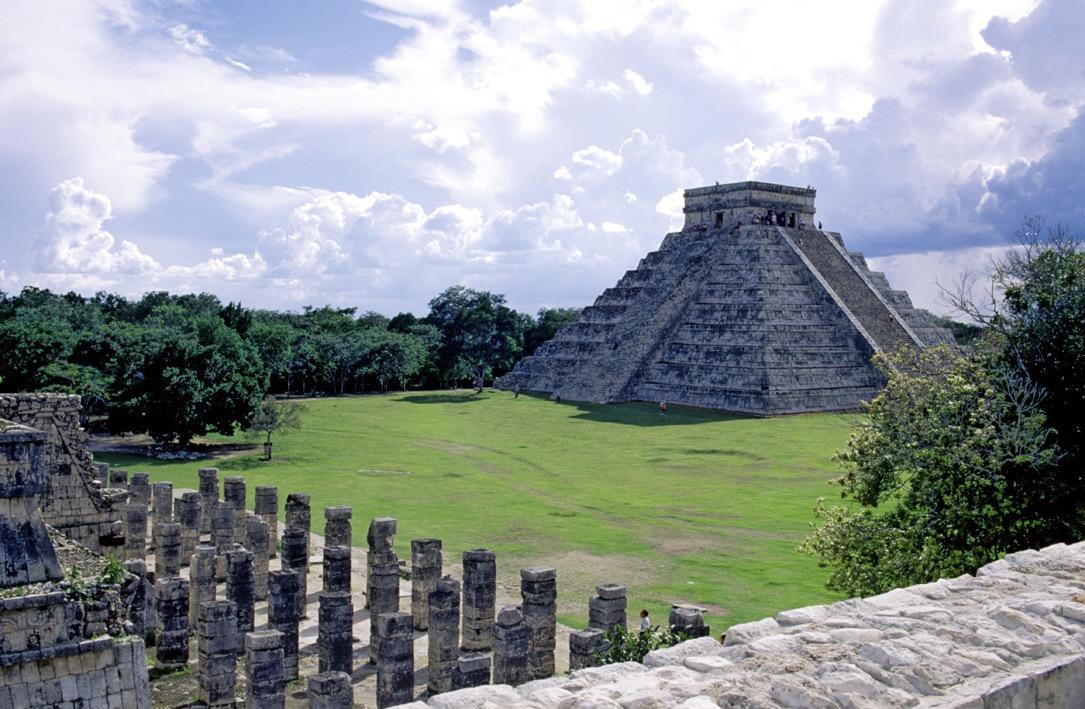 Orden al comercio en Chichén Itzá, pide experto arqueólogo