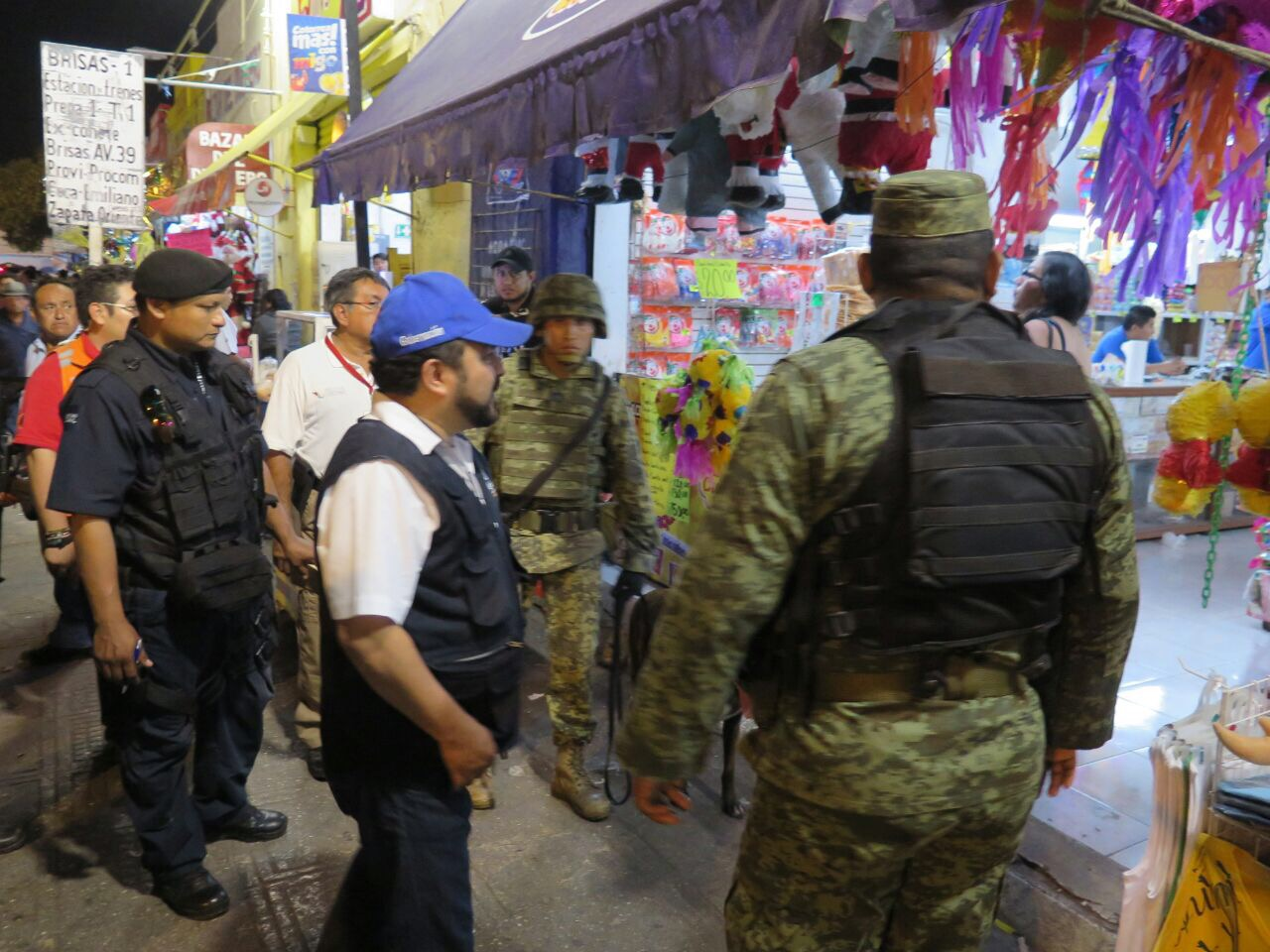Van contra venta clandestina de pirotecnia en Mérida