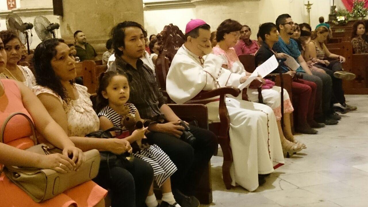 'La Navidad necesita más que dinero', dice Arzobispo