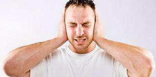 Enfermedad en los oídos lo lleva a cometer homicidio múltiple