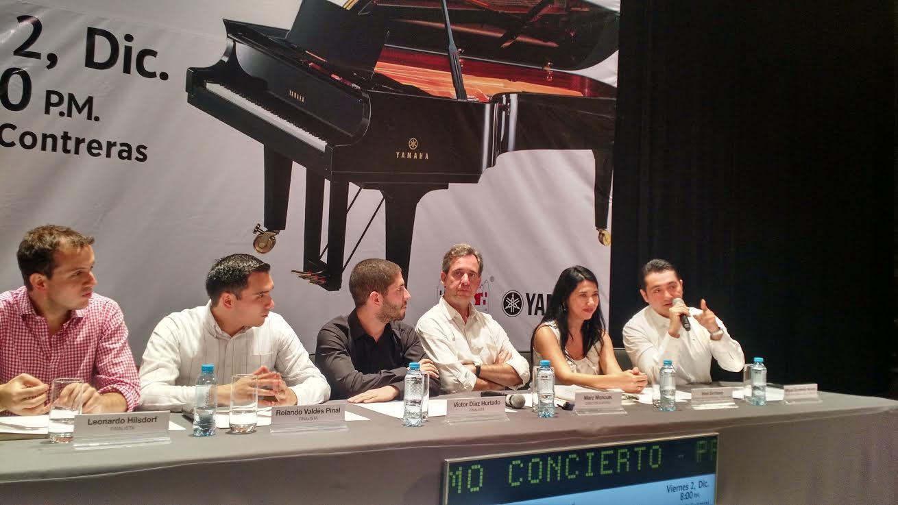 Disputa mexicano final de concurso internacional de piano