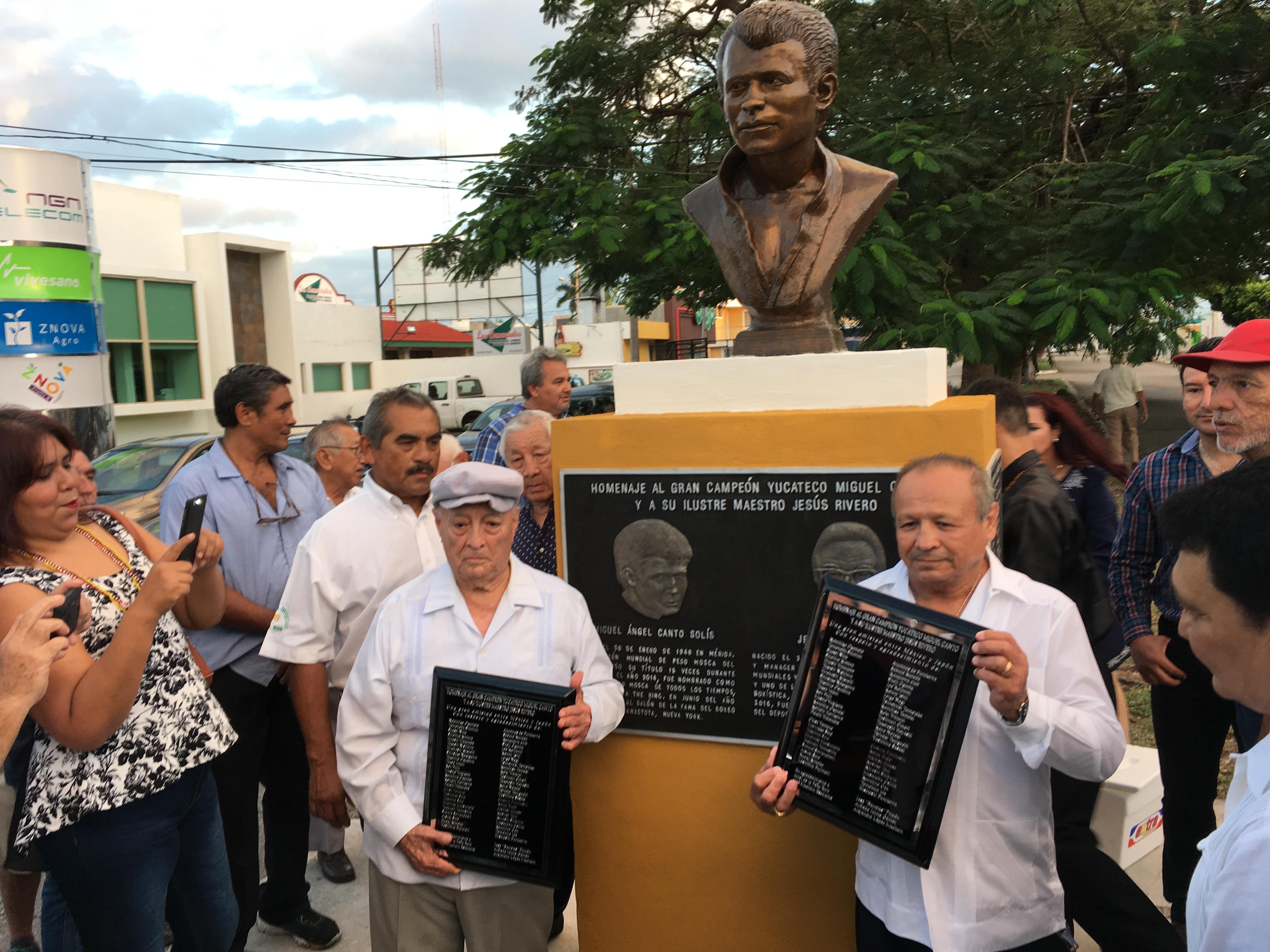 Japoneses rinden homenaje a Miguel Canto en Mérida