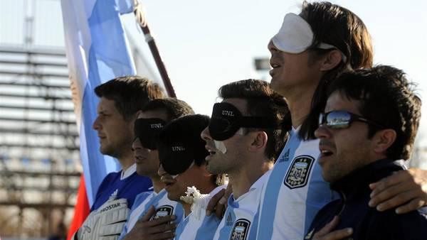 Construirán estadio para futbolistas ciegos