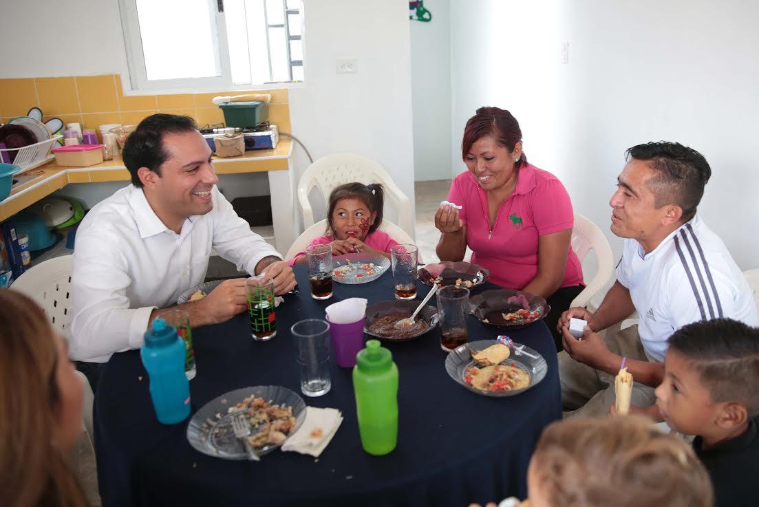 Vila convive con mi familia de San José Tecoh II