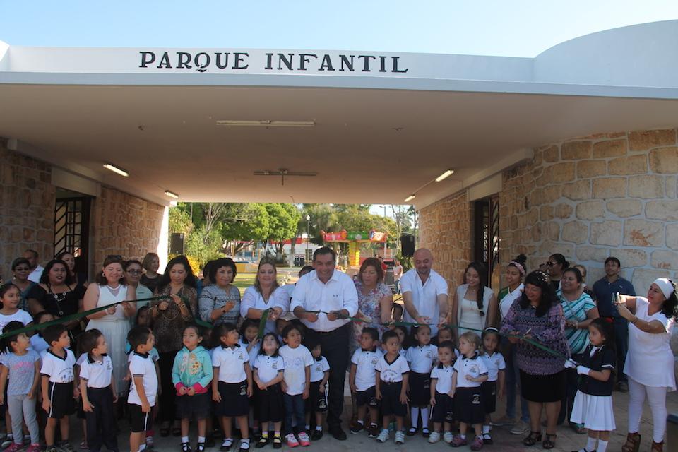 Homenaje con obras en jardín de niños Felipe Carrillo Puerto