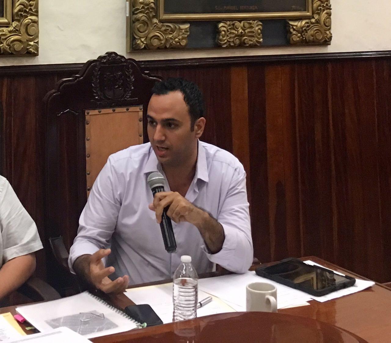 Cuestionan destino de recursos de austeridad en Mérida