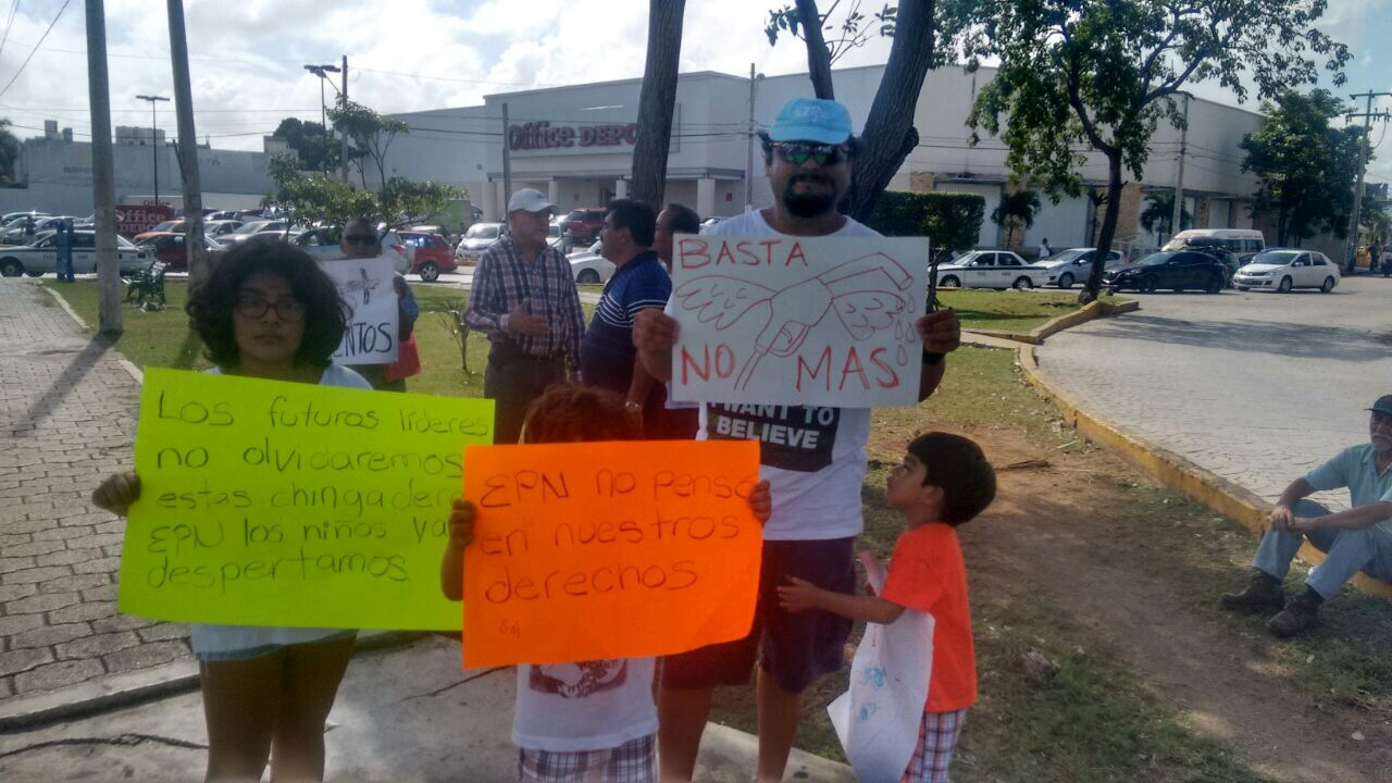 "Entra Congreso QRoo a demanda contra ""gasolinazo"""
