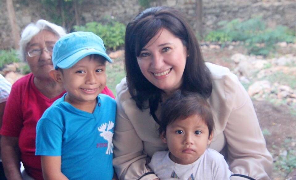 Celia Rivas inicia año con acciones en colonias del séptimo distrito