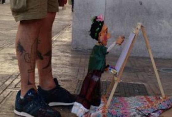 Recrean arte de Frida Kahlo en teatro guiñol