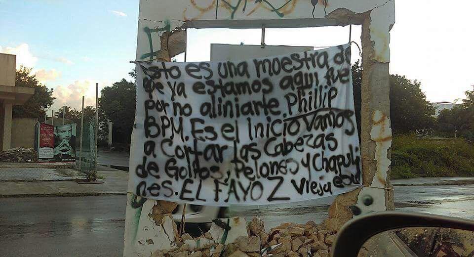 Narcomantas adjudican ataques en Playa del Carmen