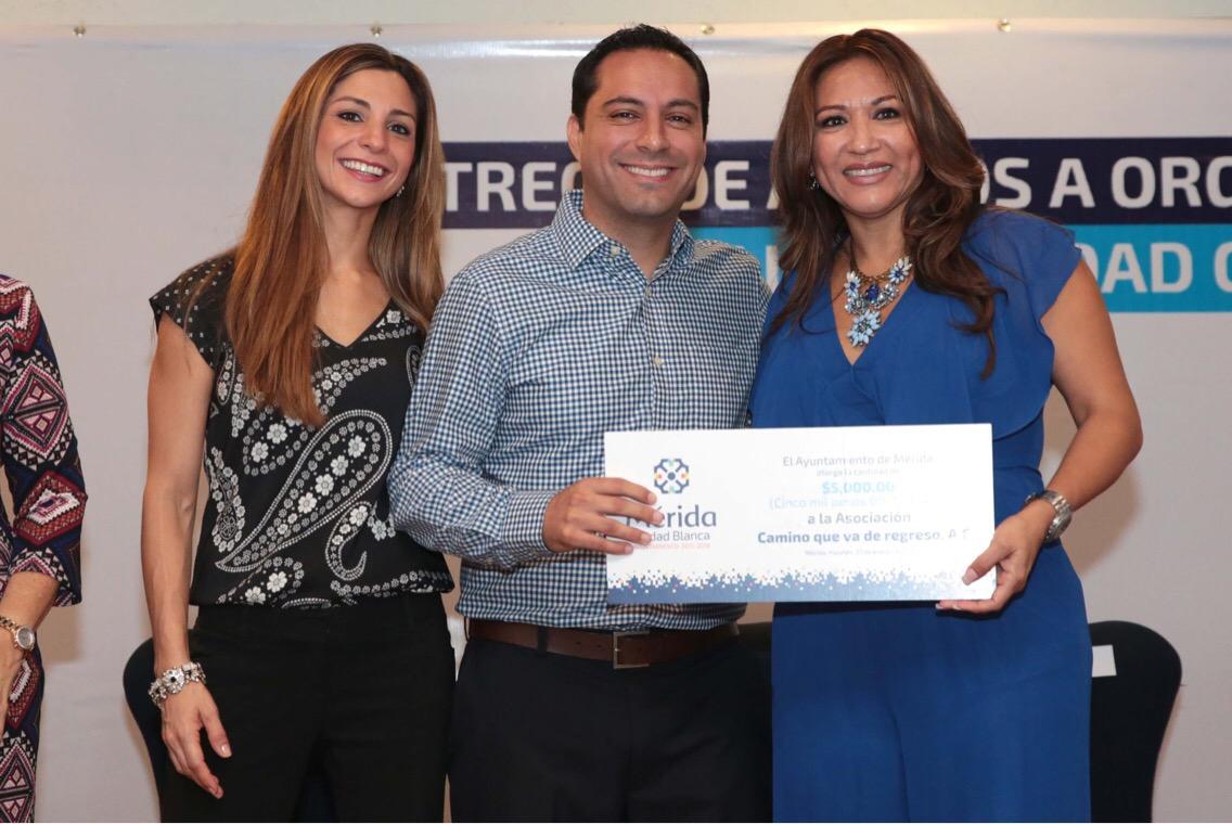 Vila lleva 'Mérida Incluyente' a organizaciones civiles