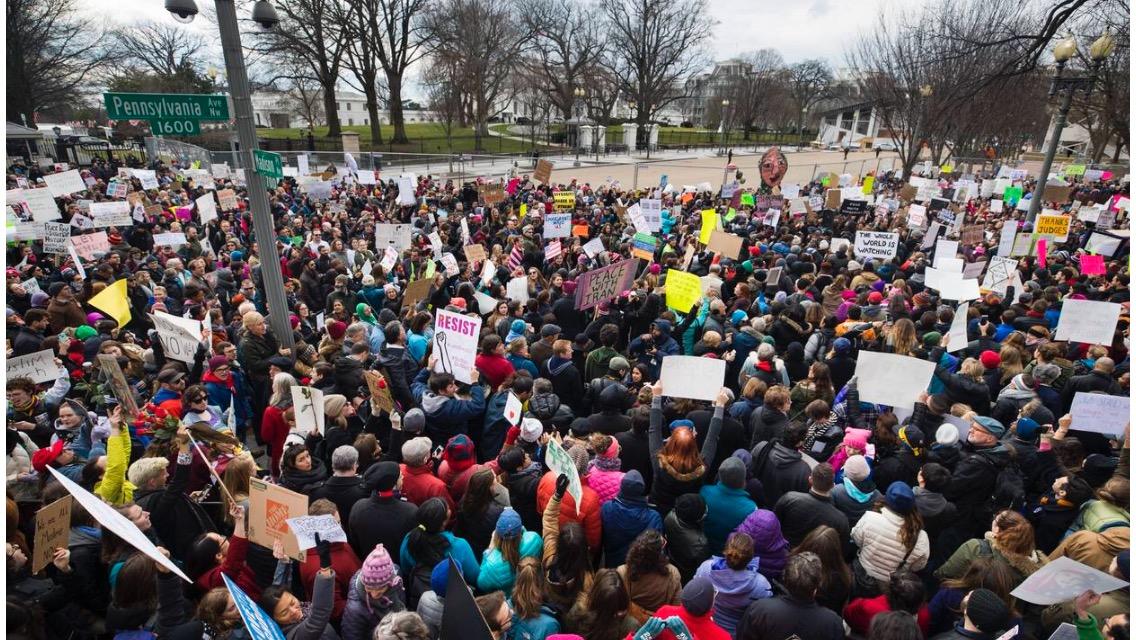 Desata Trump caos migratorio