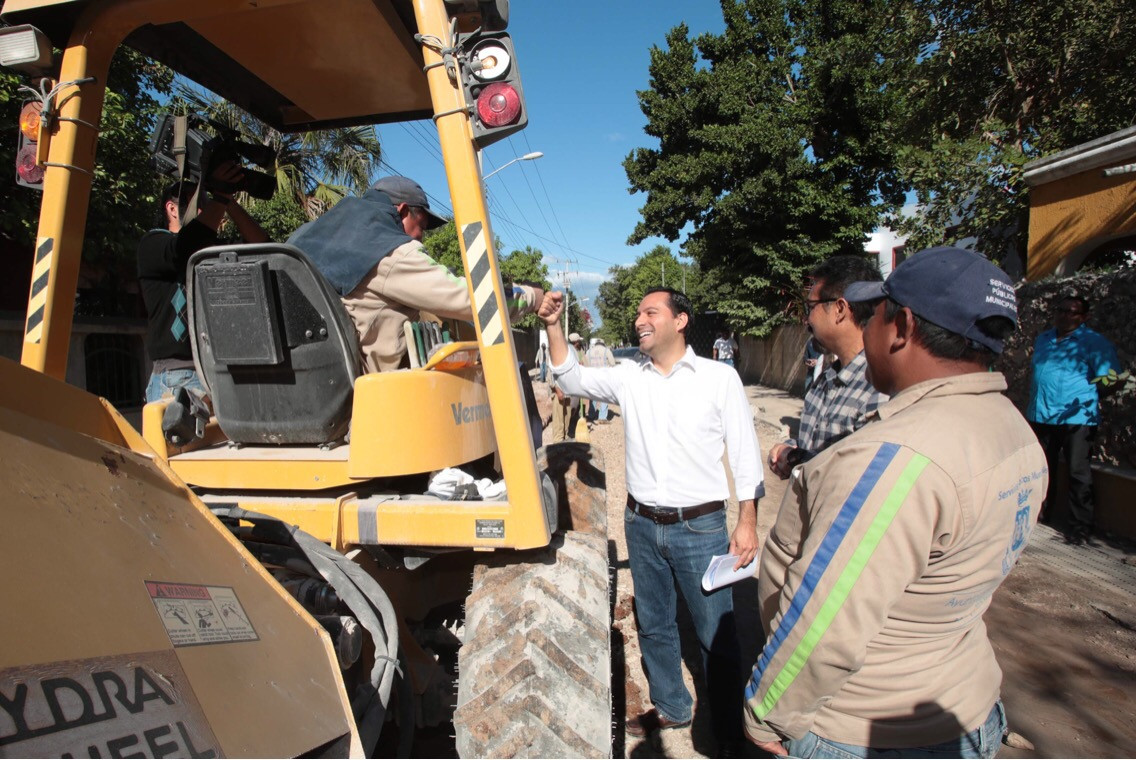 Reconstrucción de calles en comisaría de Cholul