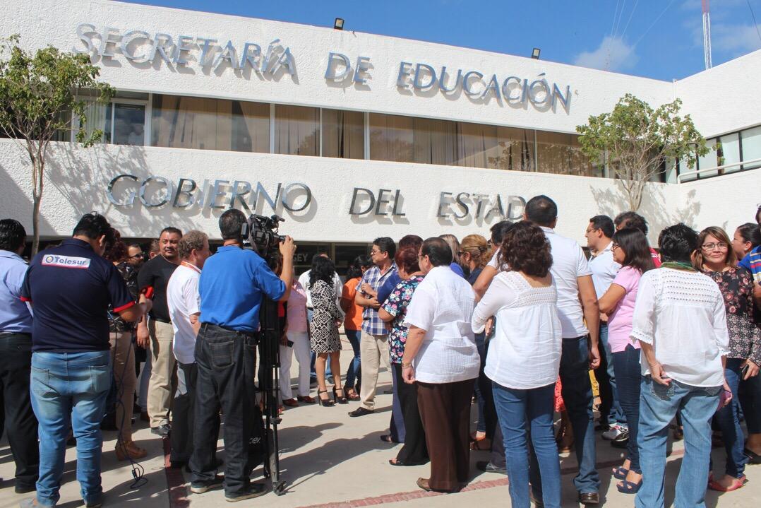 Gestiona Segey compensaciones suspendidas a maestros