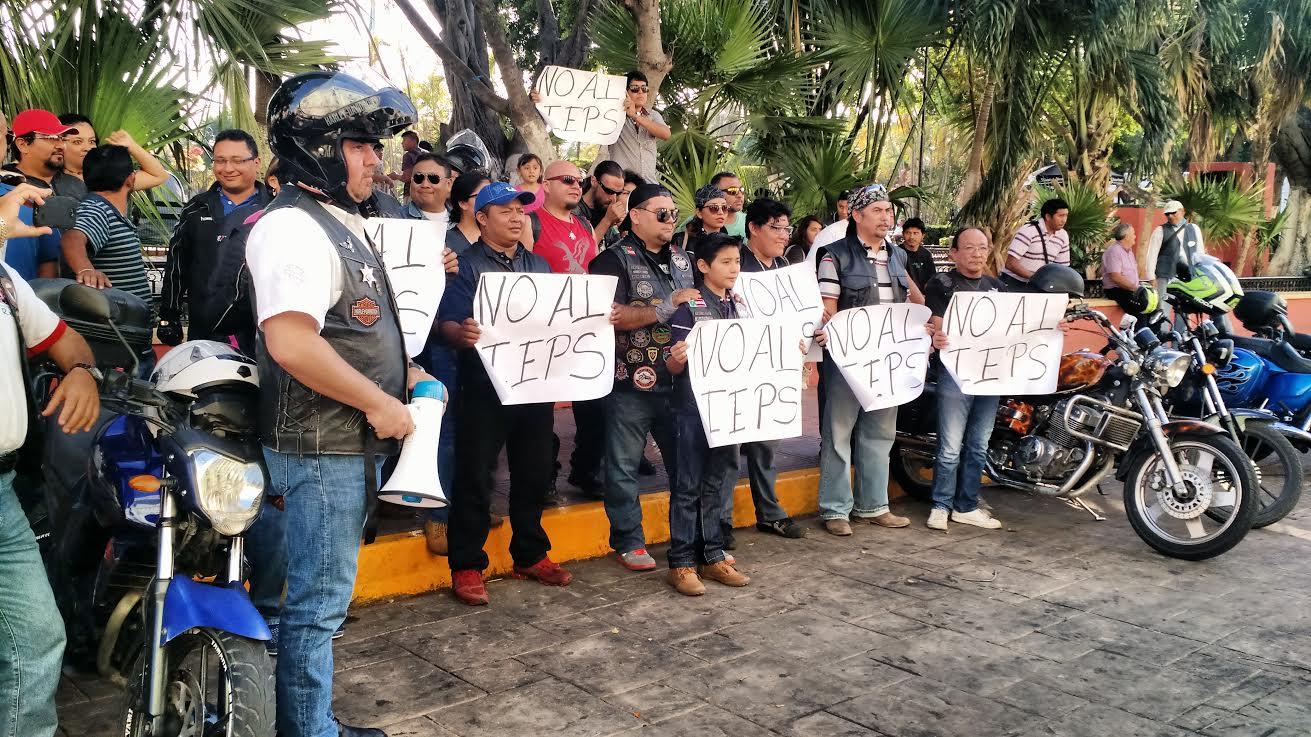 Rodada de Motociclistas contra IEPS de gasolinas