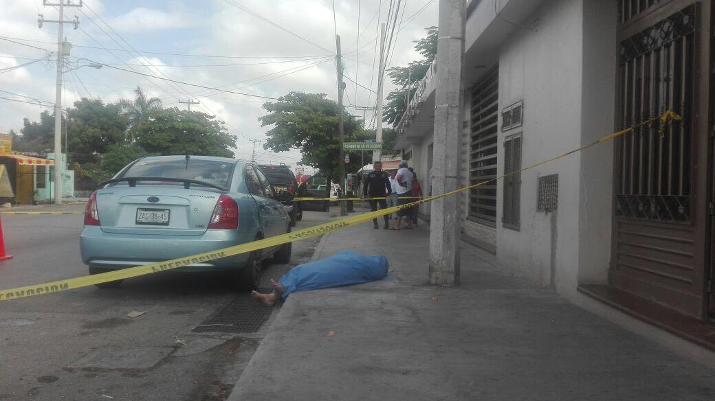 Muere a las puertas de clínica en Mérida