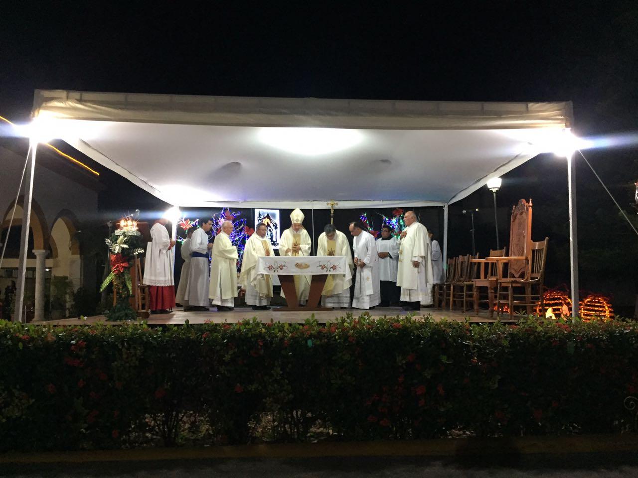 """Como 'tres reyes magos"""", celebran ordenación sacerdotal"""