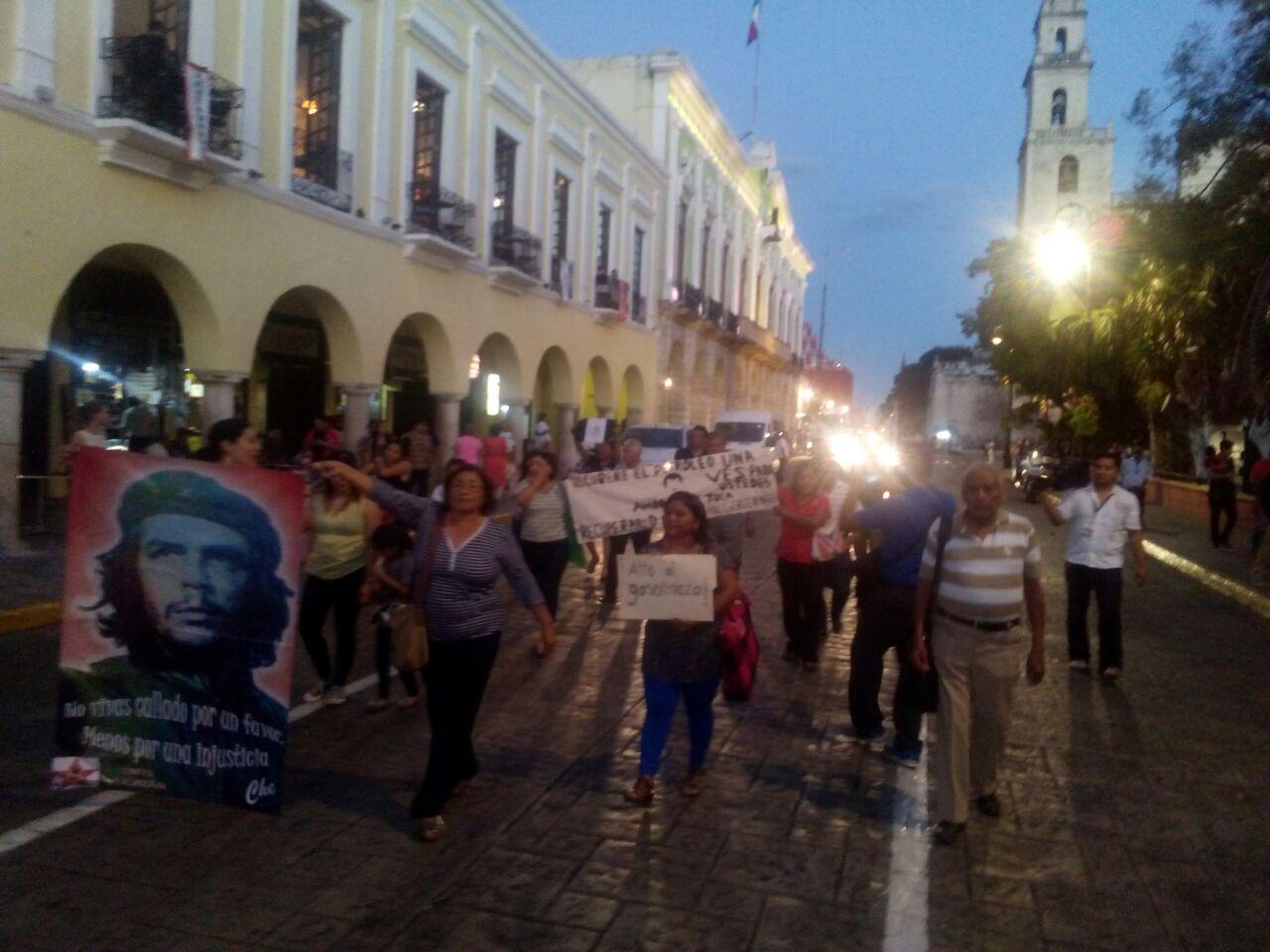 Responsabilizan a Gobierno de protestas en las calles