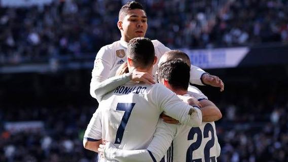 Real Madrid goleó a Granada e iguala récord del Barsa