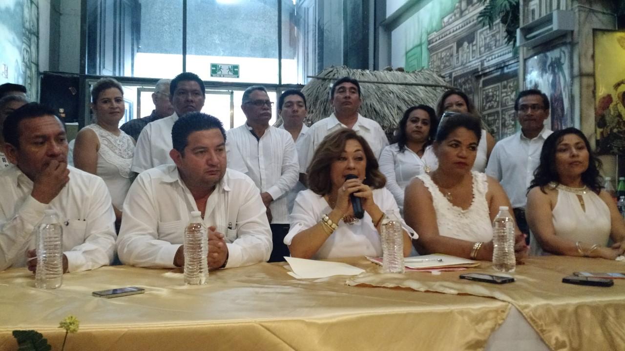 Exigen renuncia de líder de burócratas yucatecos