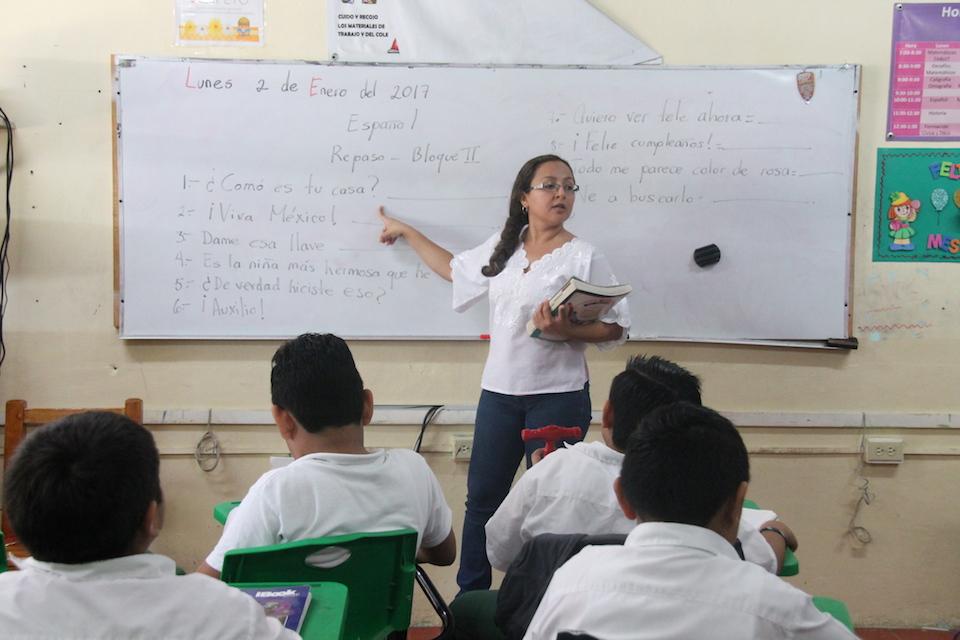"""En el """"limbo educativo"""" por falta de papeles"""